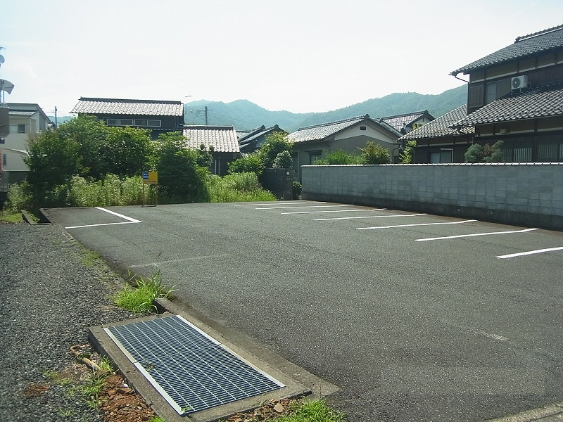 倉谷 月極駐車場